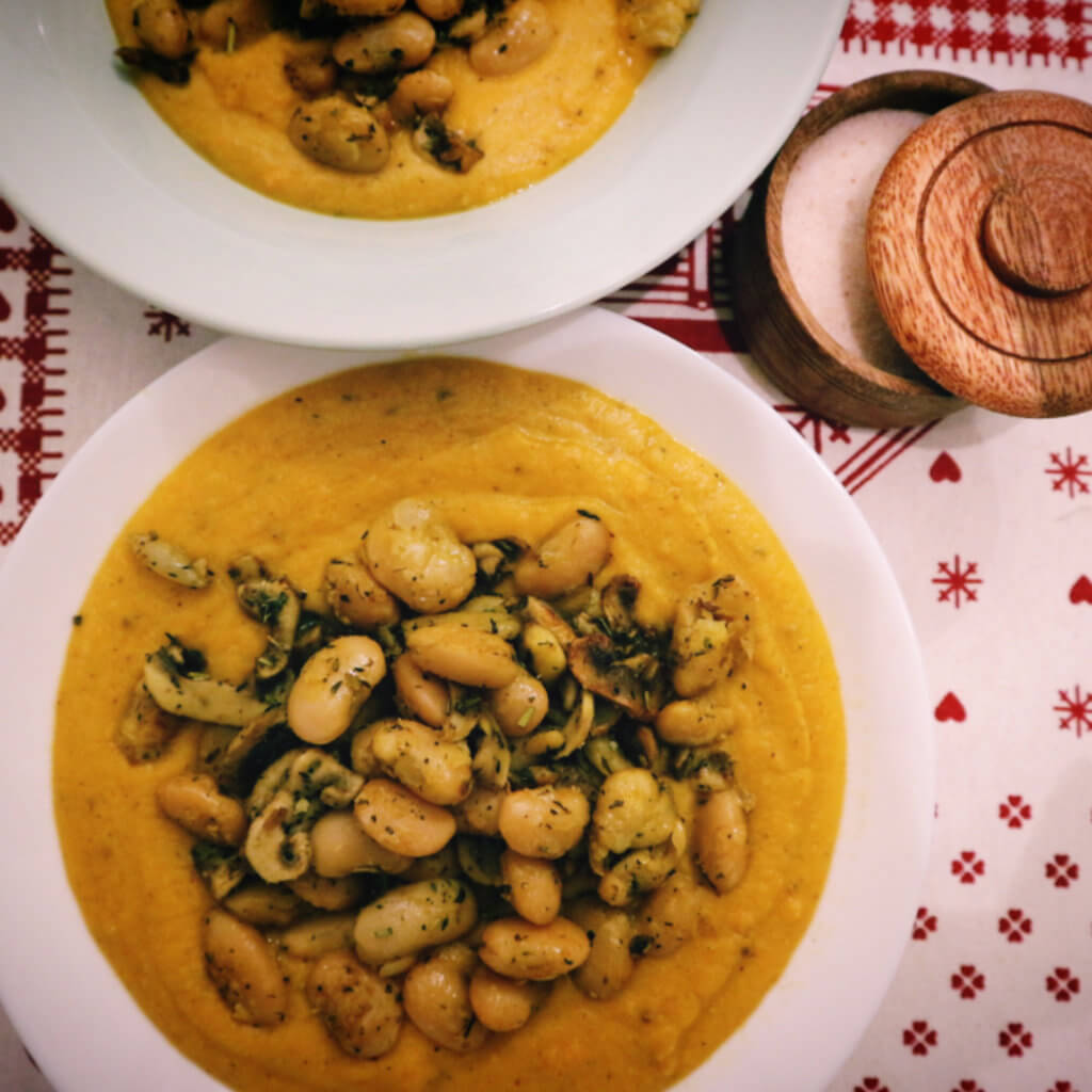 Čočková polévka s fazolemi a mrkví